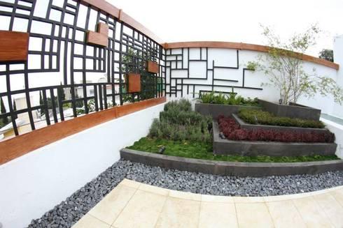 Jardinera: Terrazas de estilo  por VOLEVA arquitectos