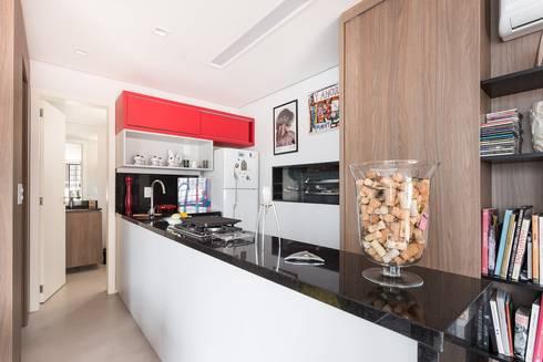 JA01   Cobertura: Cozinhas modernas por Kali Arquitetura