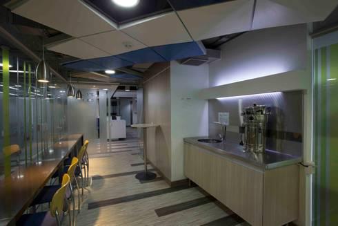 Zona de Cafe: Cocinas de estilo moderno por Qualittá Arquitectura