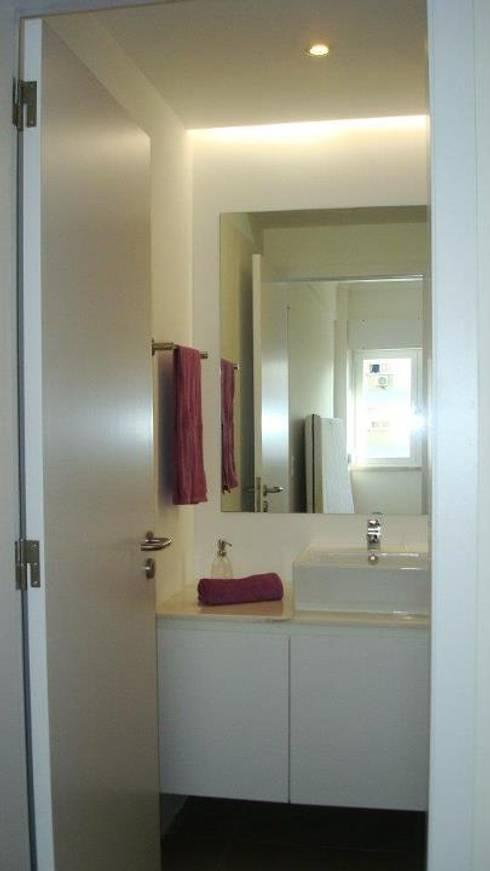 Casa de banho 2 | Depois:   por INNER TREE