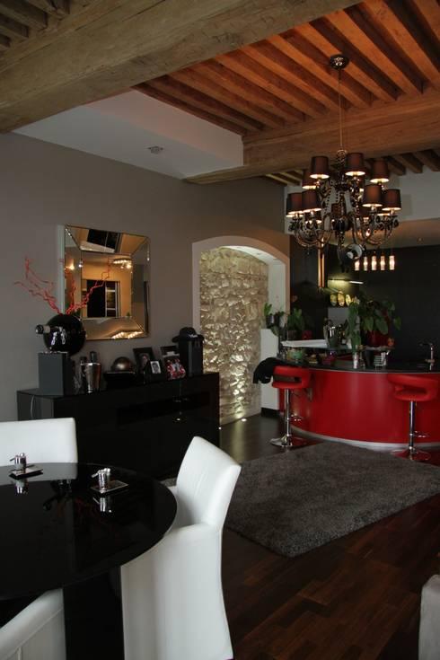 Rénovation d'un appartement à Mâcon (71): Cuisine de style de style Moderne par ATELIER JULIEN