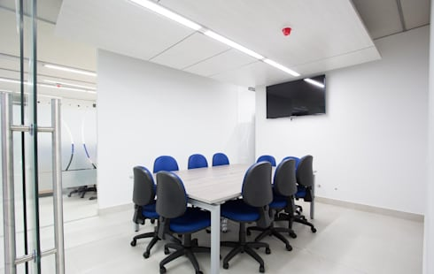 Sala de Juntas: Salas de estilo moderno por Qualittá Arquitectura