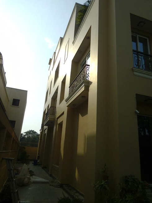 Exterior Painting : mediterranean Houses by Quik Solution