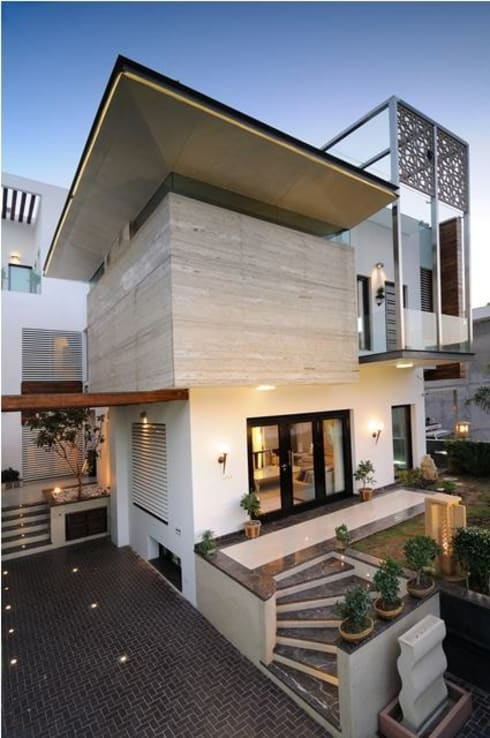 JAIPUR HOUSE: modern Houses by Spaces Architects@ka
