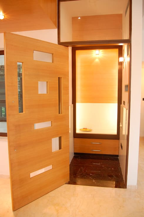 House of Dr. Hariharan:  Corridor & hallway by  Murali architects