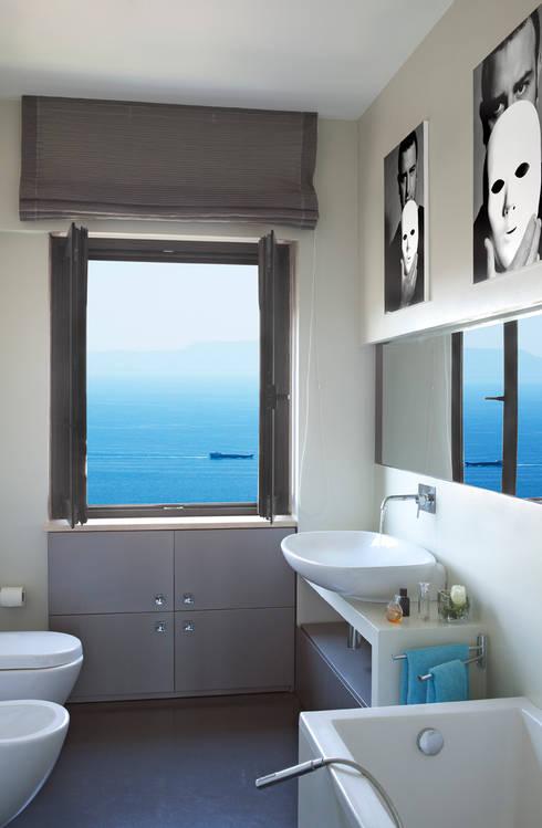 Bagno: Bagno in stile in stile Eclettico di PDV studio di progettazione