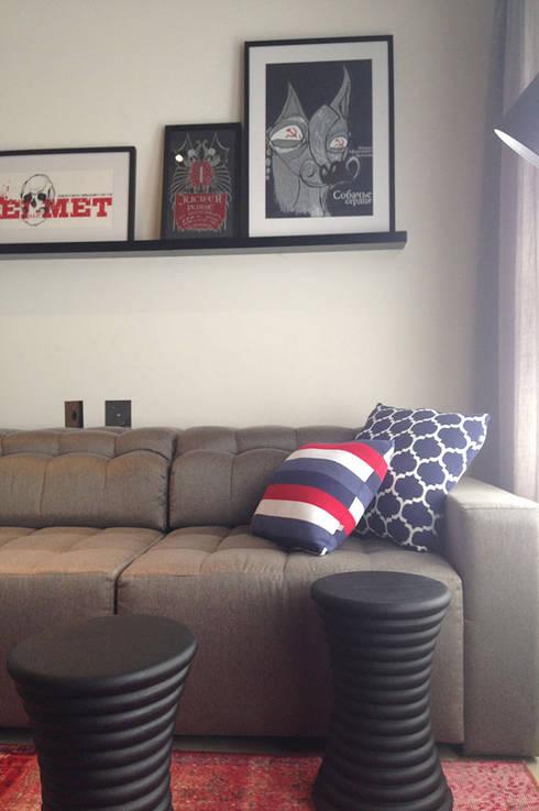 Apartamento do Rock: Salas de estar modernas por elen saravalli arquitetura & design