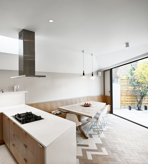 Facet House: modern Kitchen by Platform 5 Architects LLP