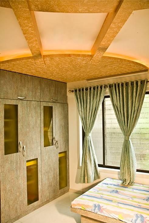 Residential: modern Living room by suneil