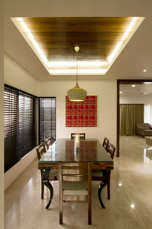 Sandeep Gandhi Bungalow:  Dining room by P & D Associates