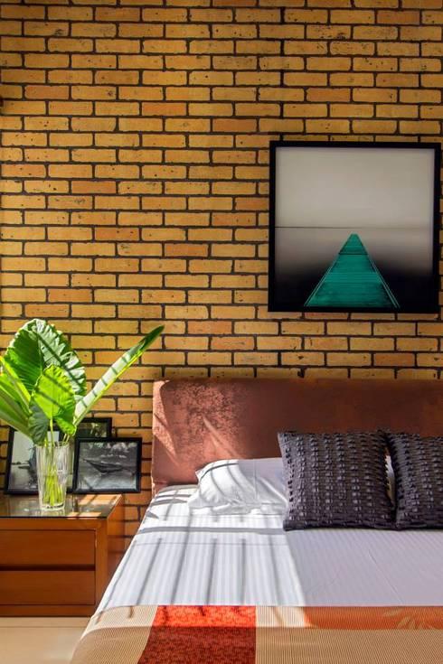 Abhiskhek's Appartment:  Bedroom by P & D Associates