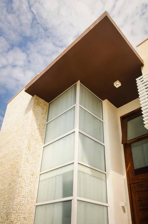 Terrazas de estilo  por Renata Matos Arquitetura & Business