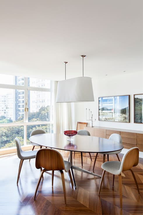 Apto. Rio de Janeiro: Salas de jantar minimalistas por RSRG Arquitetos