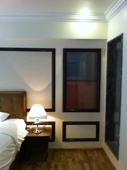 Hotel in Mysore: modern Bedroom by Design Cafe