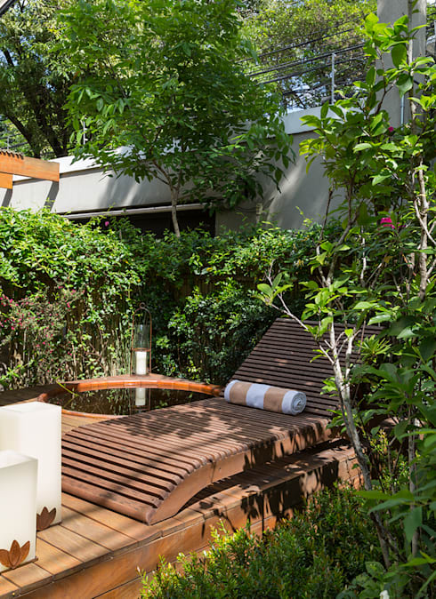 modern Garden by Eliane Mesquita Arquitetura
