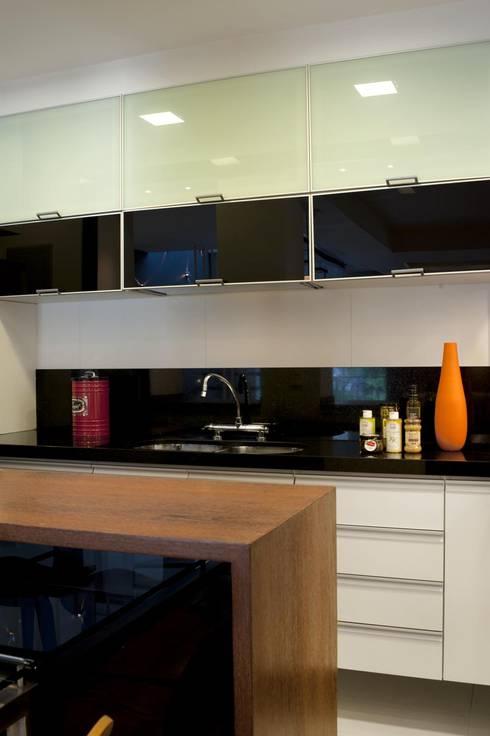 Apto K: Cozinhas modernas por m++ architectural network