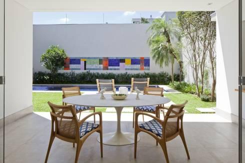 Casa SP: Terraços  por Di Pace Art e Design