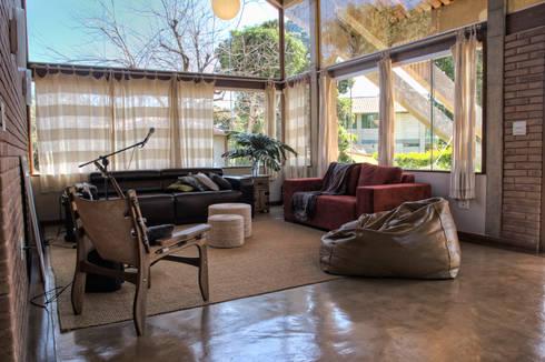 Residência HB: Salas de jantar rústicas por Quinta