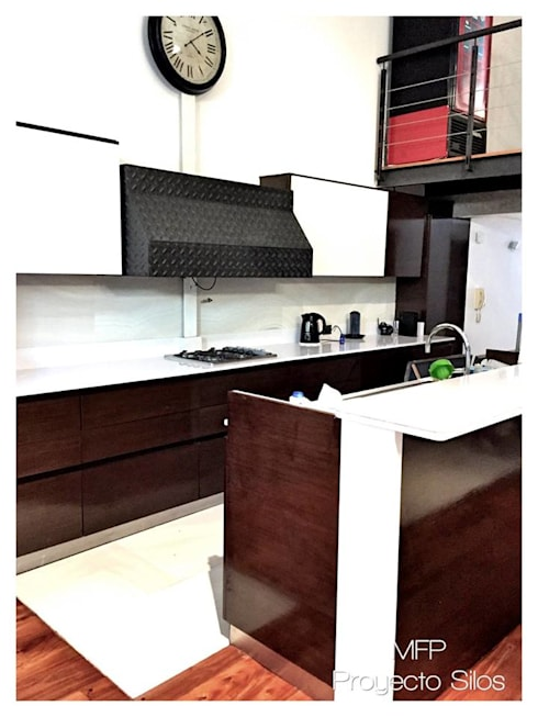 Obra Los Silos: Cocinas de estilo  por MFP Diseño de Interiores
