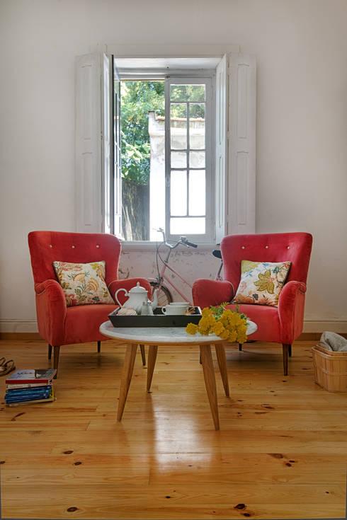 Loloca Design: eklektik tarz tarz Oturma Odası