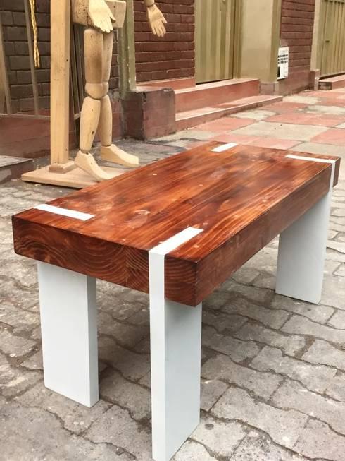 Mesas Personalizadas en Madera para espacios interiores y comedor : Comedor de estilo  por JVR  Madera Y Diseño
