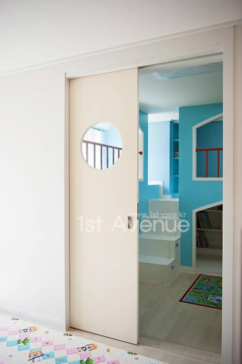 Projekty,  Pokój dziecięcy zaprojektowane przez 퍼스트애비뉴