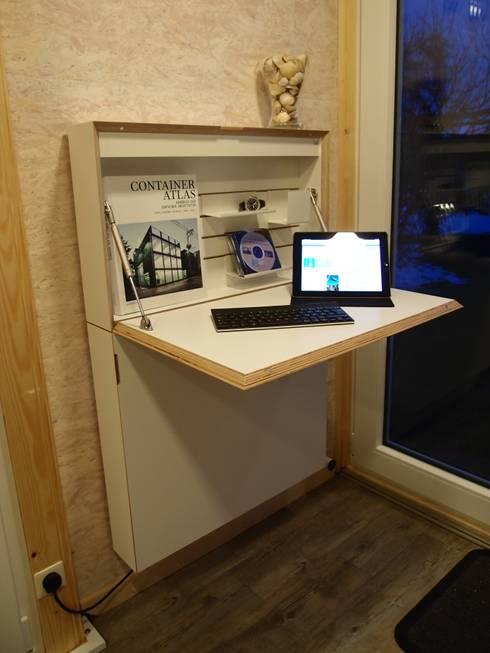 POCKETCONTAINER - Innenansicht: minimalistische Arbeitszimmer von Stefan Brandt - solare Luftheizsysteme und Warmuftkollektoren
