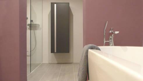 modernes badezimmer im alten bauernhaus by junghanns + müller, Hause ideen