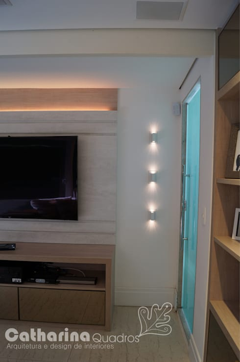 Residência Piratininga 2015: Salas de estar modernas por Catharina Quadros Arquitetura e Interiores