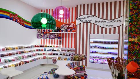Candy´s Factory: Oficinas y tiendas de estilo  por Phoenix Touch