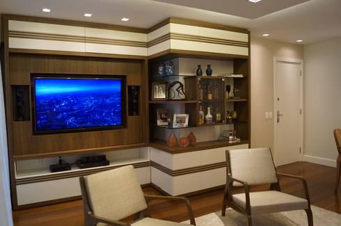 Sala Leblon 2014: Salas de estar modernas por Catharina Quadros Arquitetura e Interiores