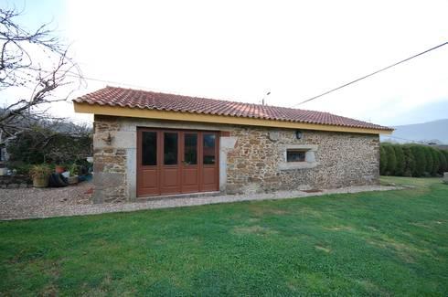 Reabilitação de Casa de Campo: Casas rústicas por Borges de Macedo, Arquitectura.