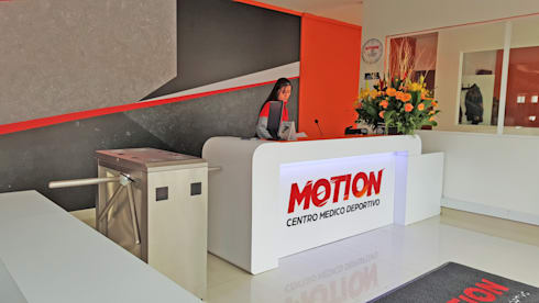 Motion GYM: Gimnasios  de estilo  por Phoenix Touch