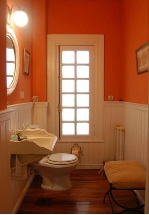 Baño: eclectic Bathroom by Radrizzani Rioja Arquitectos