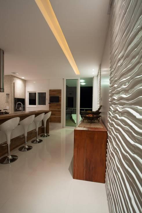 Residência Itajaí/SC : Cozinhas modernas por Lima.Ramos.Lombardi Arquitetos Associados