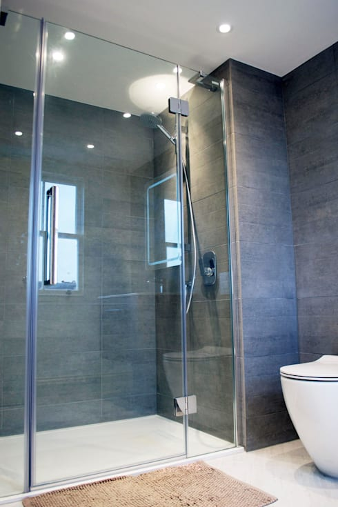 The West London conversion:  Bathroom by The Market Design & Build