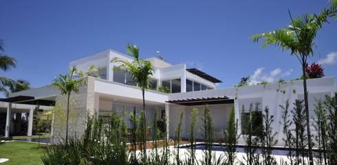 Fachada Lateral: Casas modernas por Libório Gândara Ateliê de Arquitetura