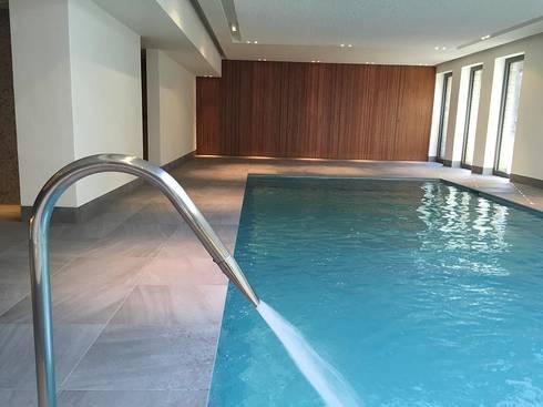Espace baln oth rapie piscine int rieure de interieur9 for Piscine balneotherapie