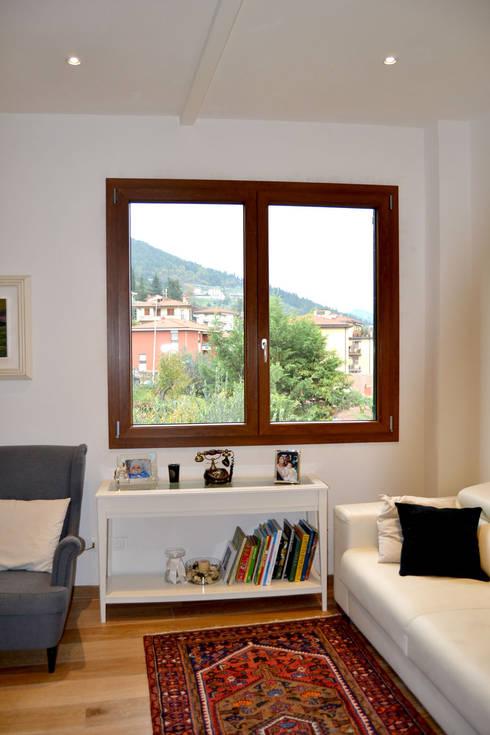 Finestra: Finestre in stile  di MC4 - Marco Cantini Architetto