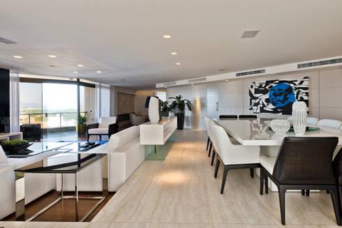 Sala de Jantar: Salas de jantar modernas por Yara Mendes Arquitetura e Decoração