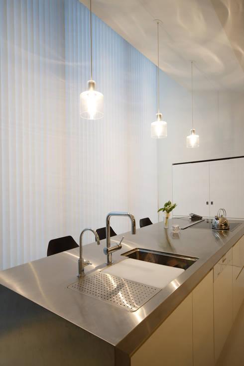 キッチン: MimasisDesign [ミメイシスデザイン]が手掛けたキッチンです。