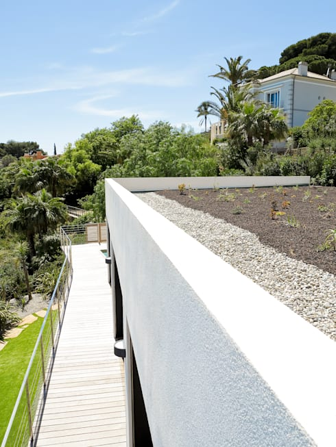 Garden by frederique Legon Pyra architecte