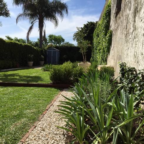 Peque os jardines lindas vistas de baires green homify for Homify jardines pequenos