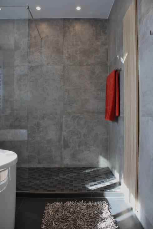 Geräumige Dusche: Moderne Badezimmer Von Ludwig Steup GmbH
