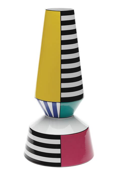 Arlequim Vase: Sala de estar  por BYFLY
