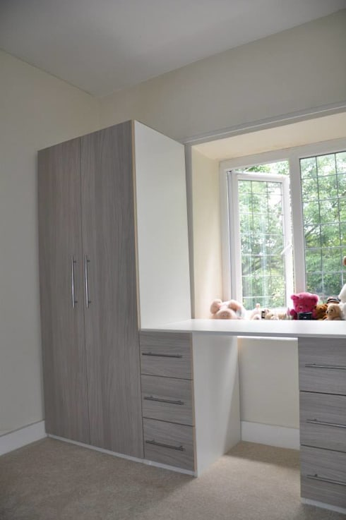 Wardrobes and Closets: classic Bedroom by Piwko-Bespoke Fitted Furniture