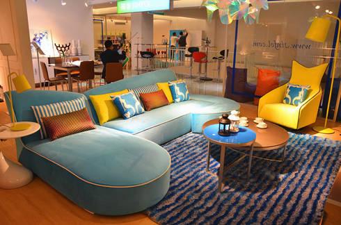 Gllamor Fabric sofa: modern Living room by Gllamor