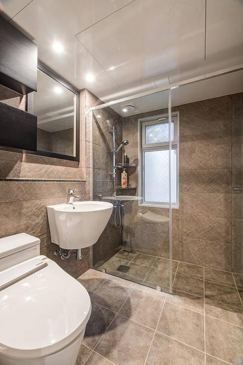 수원시 영통구 이의동 자연앤자이아파트 (48평형): 아르떼 인테리어 디자인의  욕실