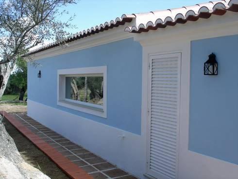 Casa de Campo Casa do Governador: Janelas e portas campestres por Deleme Janelas