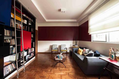 Sala estar: Salas de estar ecléticas por Laura Serafini Arquitetura + Interiores